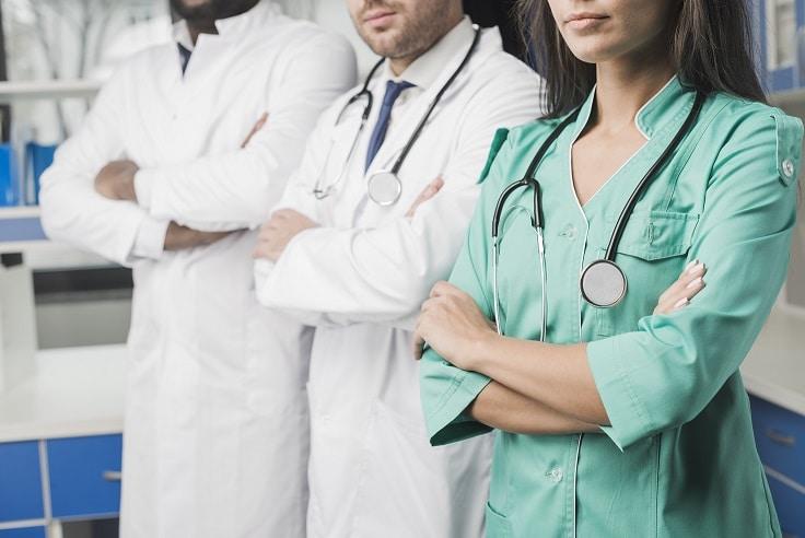 لباس بیمارستان